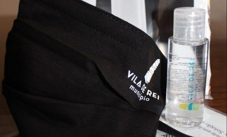 Covid-19: Município de Vila de Rei reforça distribuição de máscaras comunitárias e álcool-gel pela população